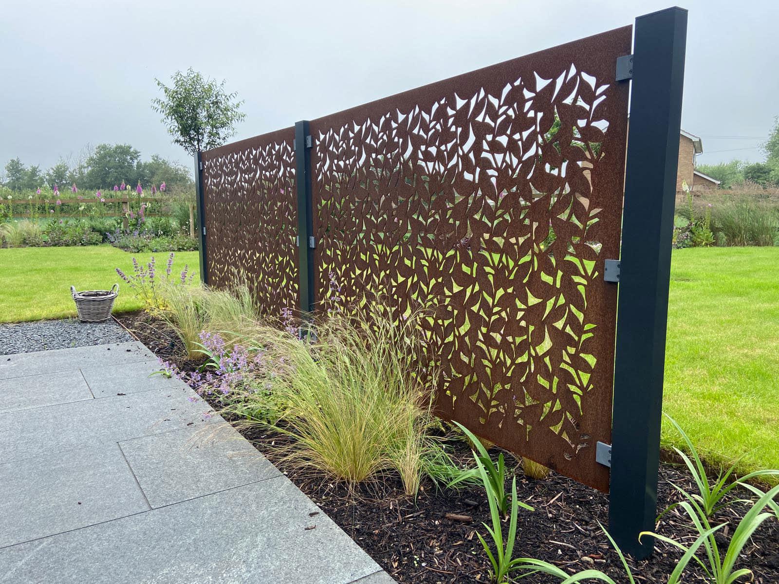 garden screening in Corten Steel
