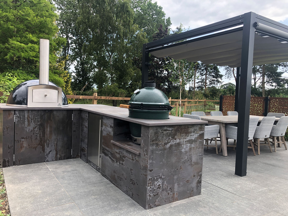 outdoor kitchen with porcelain cladding